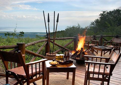 Kirumuru Manyara Lodge bonfire